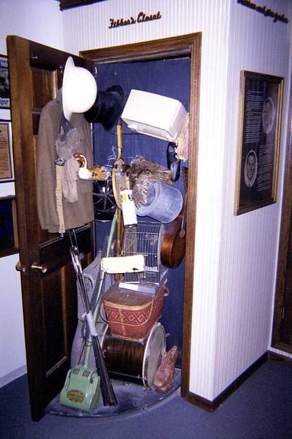 Fibber Mcgee S Closet At The Chicago Radio Museum Fibber