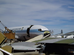 Pan Am 707, salvage in progress
