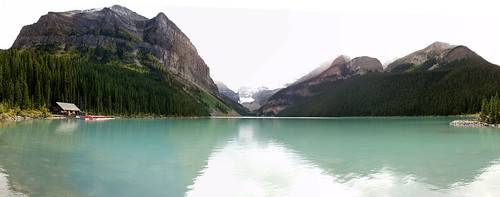 lake louise panorama