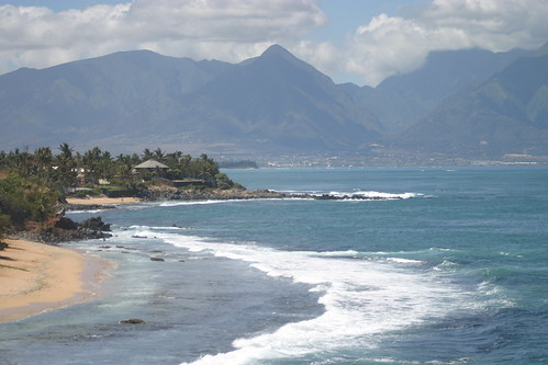 Maui Beach (photo: sunsplash, flickr)