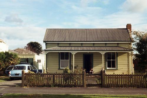 newzealand palmerstonnorth campbellst manawatu manawatunz house architecture building cottage geolat413911 geolon1756029 geolat403524 geotagged