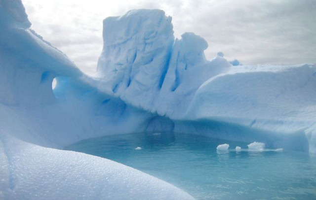 ANTARCTICA - Iceberg Lagoon - Matthew Gibbons_jpg