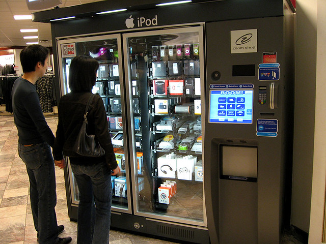 ipod vending machine in macys at a mall where there is a