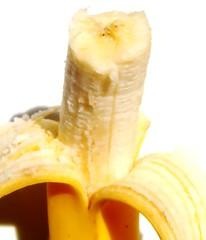 junk food(0.0), bromeliaceae(0.0), pineapple(0.0), vegetable(0.0), plant(0.0), produce(0.0), dish(0.0), banana(1.0), yellow(1.0), fruit(1.0), food(1.0),