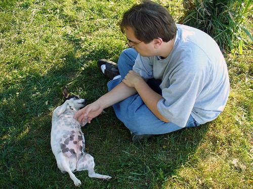 2006-10-07 - DogsOutside-0038