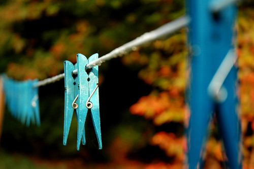 blue color interestingness dof bokeh objects line explore dew utata trophy clothesline clothespins i500 fall2006 utatathursdaywalk utatathursdaywalk29 utata:project=upfaves