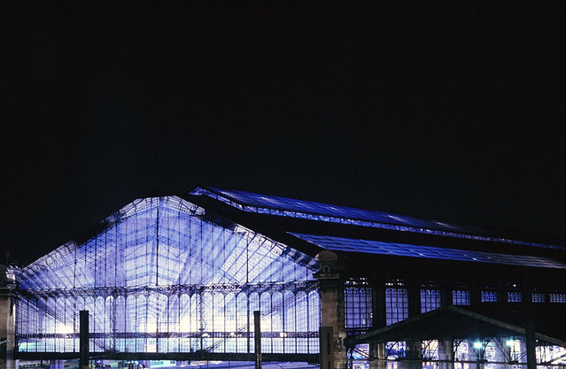 Austerlitz station illuminated during nuit blanche 2004 for Train tours paris austerlitz