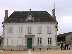 école (NEUILLY-LE-REAL,FR03)