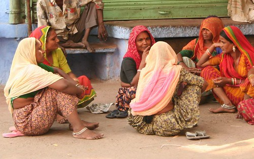 Women chatting in Jodhpur street