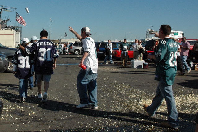 eagles fans harassing cowboys fans web.jpg