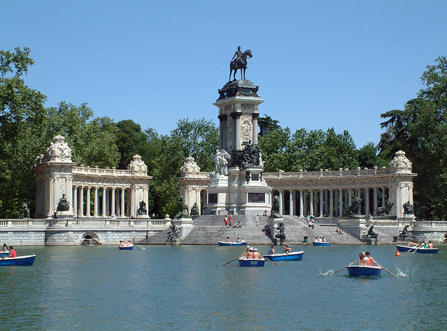 Parque de el retiro madrid spain flickr photo sharing for Parques de madrid espana