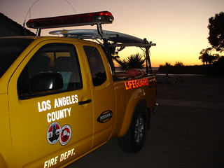 Image of  Vaprate ja ilusate maja. trees sunset beach silhouette truck fire los rocks angeles lifeguard canyon topanga department