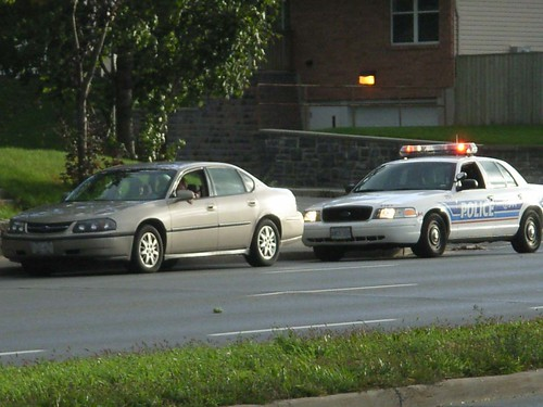 Cop Car Pulling Someone Over : An ottawa police ford crown victoria car pulls over