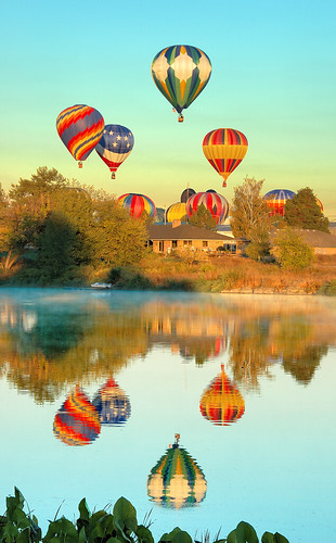 reflection wow wonder washington nikon searchthebest topv1111 d70s hotairballoon nikkor topf100 prosser yakimariver 18200mmf3556gvr abigfave prosserballoonrally