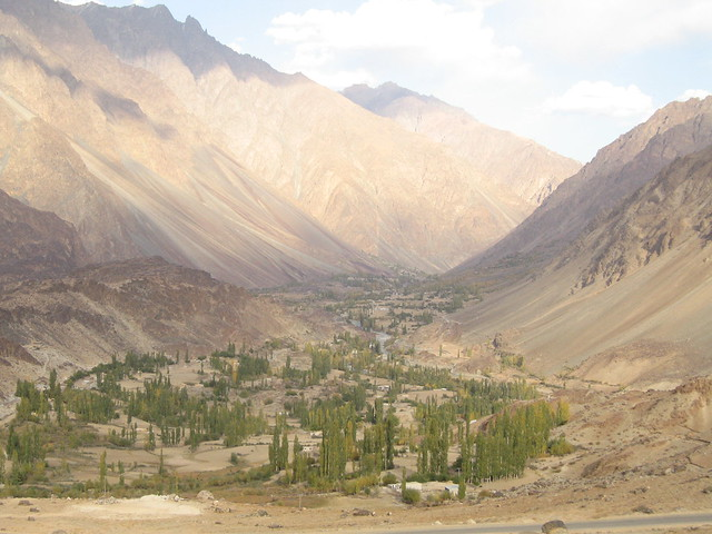 Gilgit river valley, driving towards Phander