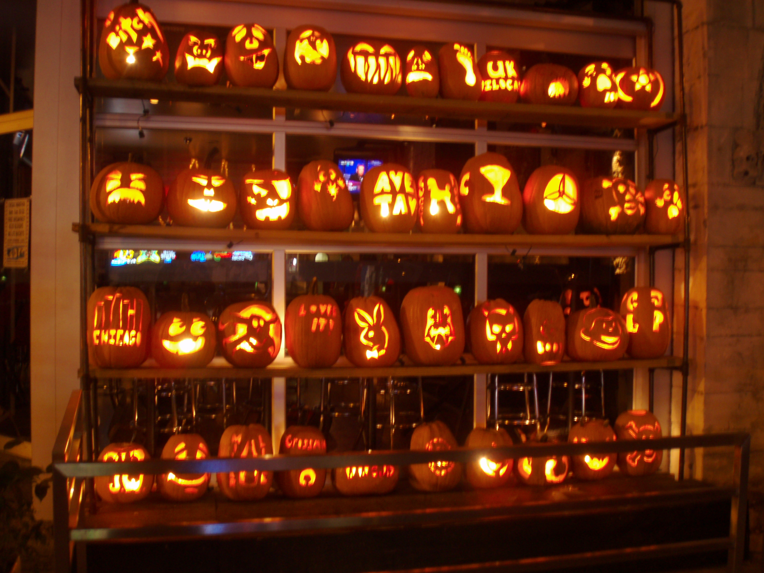 Cheap and Easy Ways to Decorate Your Home for Halloween, Seekyt