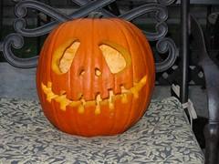 carving(1.0), pumpkin(1.0), halloween(1.0), calabaza(1.0), winter squash(1.0), jack-o'-lantern(1.0), cucurbita(1.0),