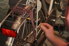 bicycle mechanic, road bicycle, wheel, vehicle, sports equipment, bicycle,
