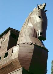 Das Geschenk: Eine Pferdestatue