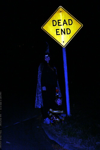 dead end on halloween    MG 3881