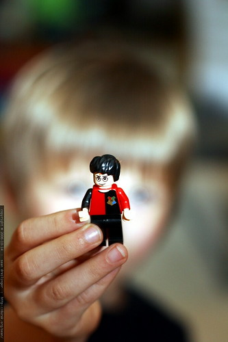 harry potter lego figure in nick's hand    mg 2304