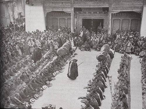 Lamas assemble at Choni (Zhuoni or Jone), Gansu, 1927