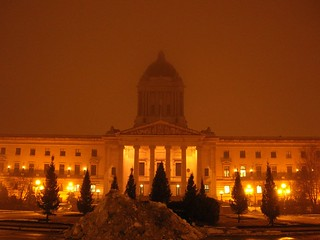 Golden Boy 的形象. boy building night golden missing manitoba legislature legislative