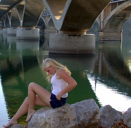 california ca 2001 bridge people favorite reflection girl landscape geotagged nikon blond gwc redding favorited e995 dcsaint views805whenaddedtoviewsgroup