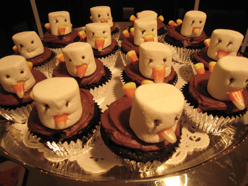 Thanksgiving crafts for adults martha stewart for Decorations for thanksgiving cupcakes