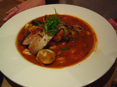 meal, stew, supper, curry, meat, bouillabaisse, food, dish, soup, cuisine, gumbo,