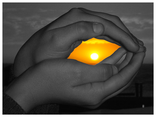 A sunset in your hands CO
