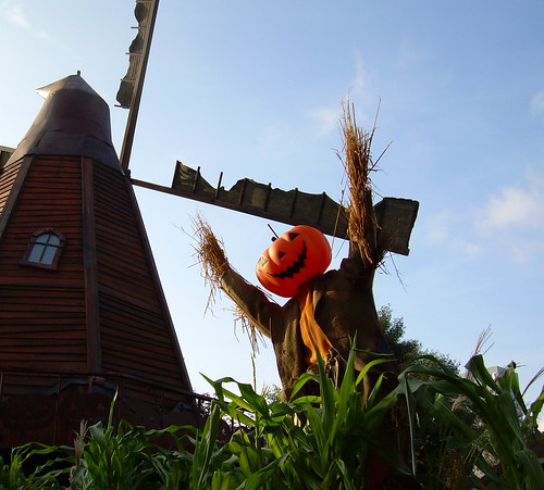 Windmill + scare crow