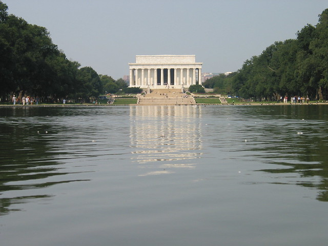 Lincoln memorial - reflecting pool