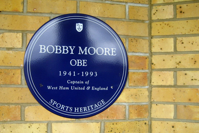 Photo of Bobby Moore blue plaque