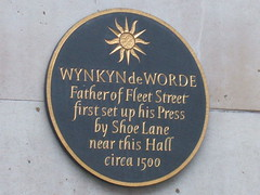 Photo of Wynkyn de Worde black plaque