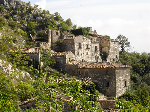 old italy abandoned geotagged town italia deserted molise isernia volturno mainarde rocchetta sannio rocchettaalta rocchettaavolturno geolat41629269 geolon14067596