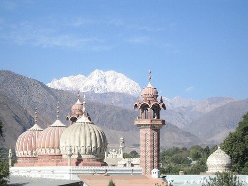 Shahi Masjid, Chitral, with Tirich Mir in the background (2)