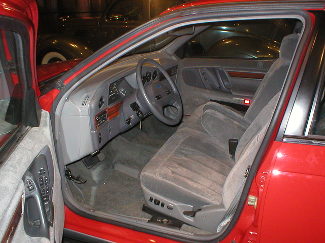 1986 Ford Taurus Interior