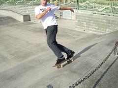 aggressive inline skating(0.0), skate(0.0), skateboarding--equipment and supplies(1.0), boardsport(1.0), skateboarding(1.0), sports(1.0), recreation(1.0), skateboard(1.0), outdoor recreation(1.0), leisure(1.0), extreme sport(1.0), skateboarder(1.0),