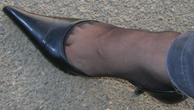 Nylon Toe Cleavage 92