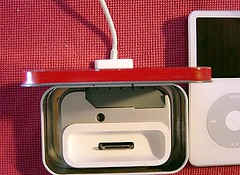 Altoids iPod dock