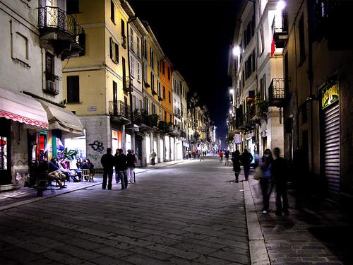 Walking in Pavia