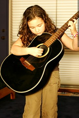 little girl with a big guitar    MG 6032