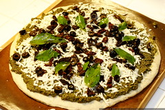 recipe: pesto pizza    MG 6150