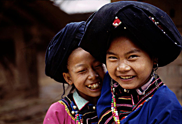 Laos - Lolo girls - Tribes of the World