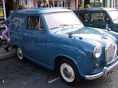 compact car(0.0), automobile(1.0), vehicle(1.0), austin a35(1.0), antique car(1.0), classic car(1.0), vintage car(1.0), land vehicle(1.0),