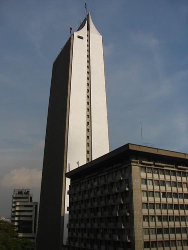 Símbolo perenne de Medellín by laloking97