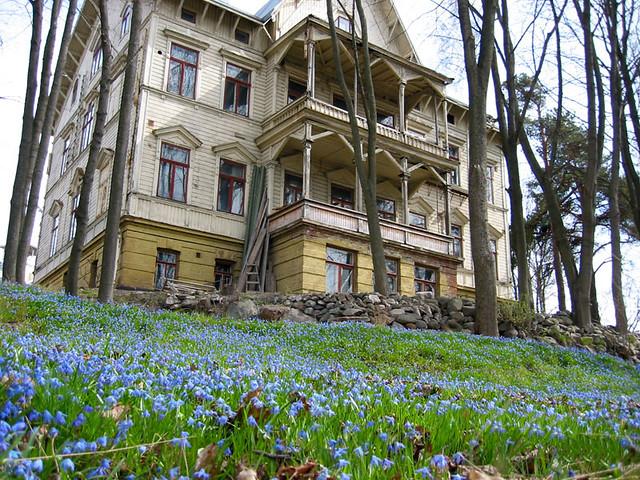 Una casa con flores en Helsinki