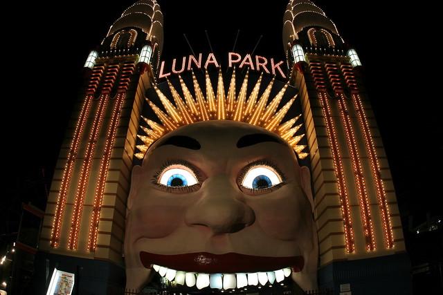 Luna park explore tfabas 39 photos on flickr tfabas has for Puerta 9 luna park