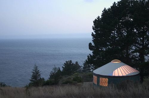 treebones yurt cabins in big sur (Credit: emdot on Flickr.com)